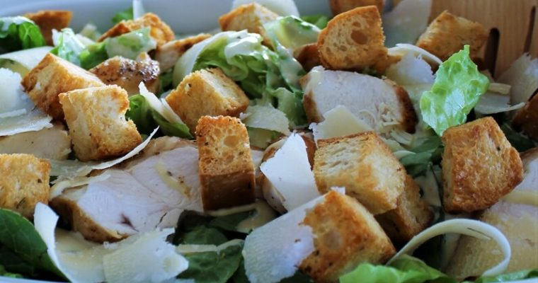 Caesar salad med kylling