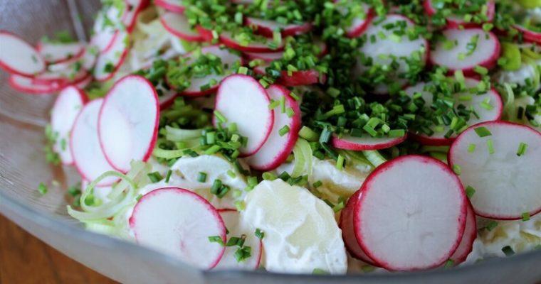 Kartoffelsalat med rygeost